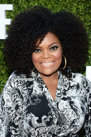 Yvette Nicole Brown rocked a stylish afro at the CBS Summer TCA Party.