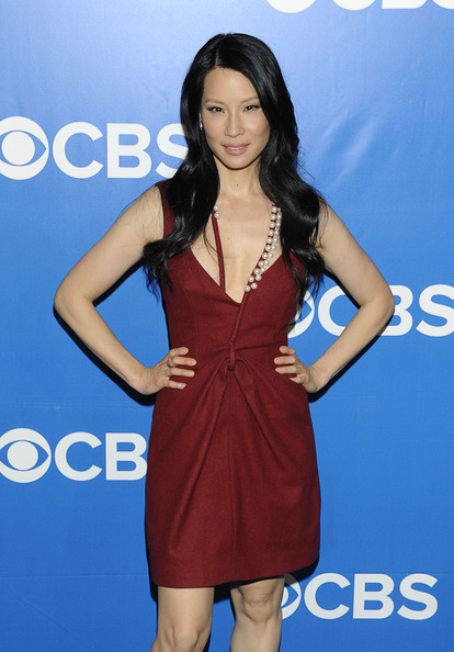 More Pics of Lucy Liu Long Wavy Cut (1 of 7) - Long Wavy Cut Lookbook - StyleBistro