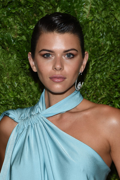 More Pics of Georgia Fowler Pompadour (1 of 4) - Updos Lookbook - StyleBistro [hair,face,beauty,shoulder,hairstyle,eyebrow,skin,lady,lip,fashion,georgia fowler,vogue fashion fund 2019 awards,new york city,cipriani south street,cfda]