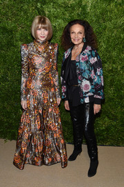 Anna Wintour looked lovely in a long-sleeve floral gown by Marc Jacobs at the 2019 CFDA/Vogue Fashion Fund Awards.