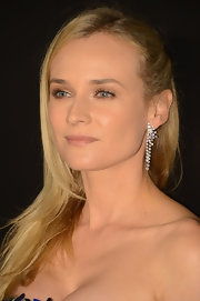 Diane Kruger pinned her long blonde locks to the side ever-so-slightly to create an effortless look.