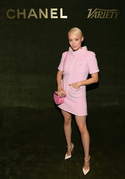 Pom Klementieff completed her ensemble with a pink shoulder bag by Chanel.