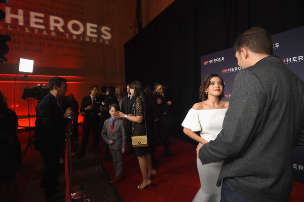 More Pics of Isabela Moner Short Wavy Cut (1 of 8) - Short Hairstyles Lookbook - StyleBistro [red,event,yellow,red carpet,fashion,flooring,design,premiere,carpet,night,red carpet arrivals,heroes,view,atmosphere,american museum of natural history,new york city,cnn,cnn heroes]