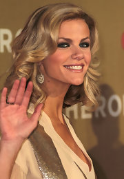 Brooklyn Decker swept on shimmering amethyst for the All-Star Tribute.