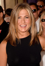 Jennifer Aniston attended the 'Cake' premiere wearing her hair in face-framing layers.