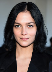 Leigh Lezark sported a casual short 'do with subtle waves when she attended the Calvin Klein fashion show.
