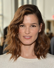 Hanneli Mustaparta looked oh-so-pretty at the Calvin Klein fashion show wearing her hair in beachy waves.