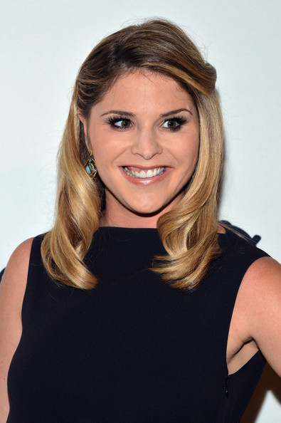 Jenna Bush Hager sweetened up her look with a curly half-up half-down 'do during the Calvin Klein Save the Children benefit.