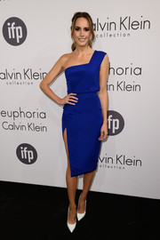 Louise Roe attended the Calvin Klein party in Cannes looking fabulous in a cobalt one-shoulder dress from the brand.