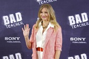 Cameron Diaz Is Summery Sweet in an Elizabeth and James Blazer