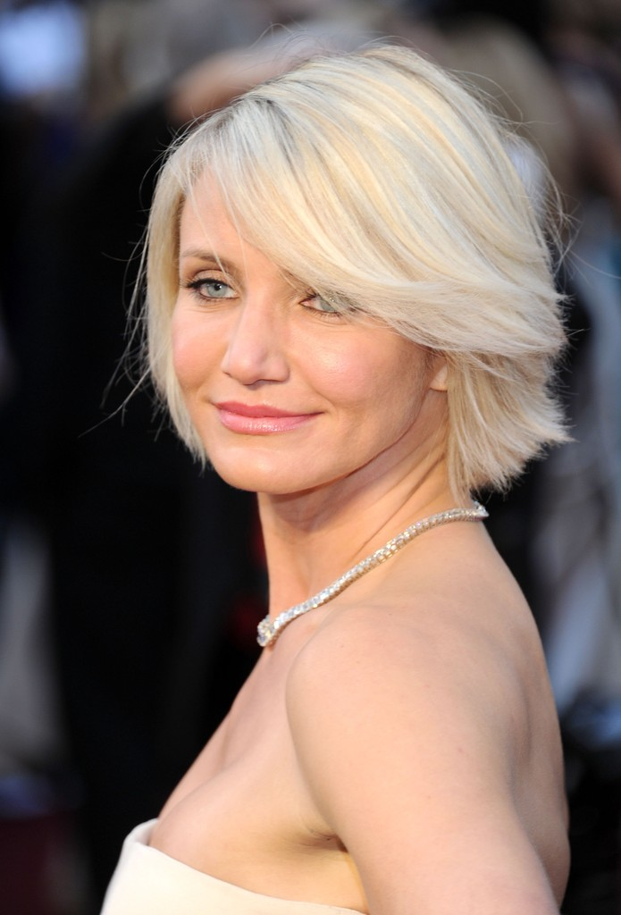 Cameron diaz hair stylebistro cameron diaz wore her platinum tresses in a casually tousled bob at the 84th annual academy urmus Image collections