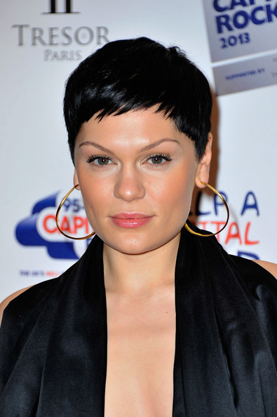 Jessie J looked cute with her choppy pixie at the Capital Rocks concert.