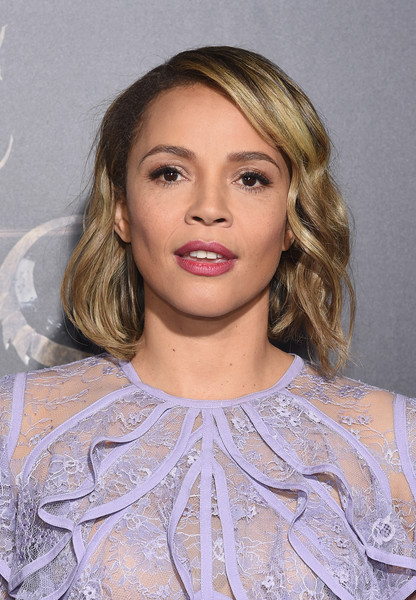 Carmen Ejogo Short Wavy Cut [fantastic beasts and where to find them,hair,face,hairstyle,blond,lip,eyebrow,beauty,chin,fashion,shoulder,carmen ejogo,fantastic beasts and where to find them world premiere,new york city,lincoln center,alice tully hall,world premiere]