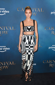 Cara Delevingne rocked a tribal-patterned crop-top by Balmain at the London screening of 'Carnival Row.'