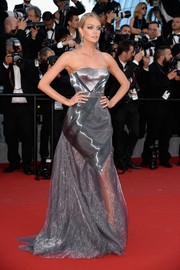 Lindsay Ellingson was the picture of futuristic glamour in a strapless gray Ulyana Sergeenko corset gown during the premiere of 'Carol' in Cannes.