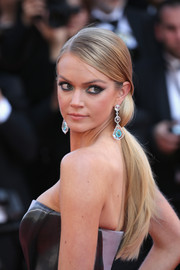 Lindsay Ellingson attended the premiere of 'Carol' wearing a sleek and stylish ponytail.