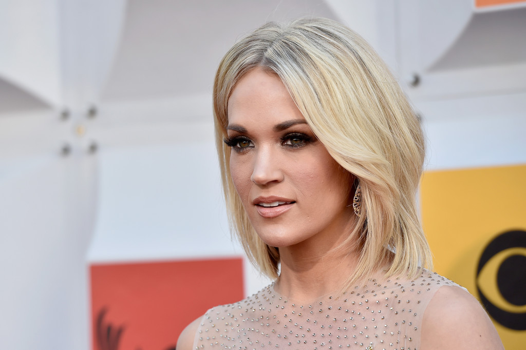 Carrie Underwood Medium Layered Cut  Shoulder Length Hairstyles
