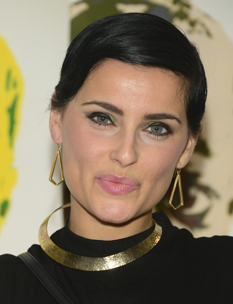 Nelly Furtado worked a neat short 'do at the Ben Levy Art event.