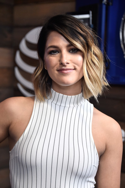 Cassadee Pope Short Wavy Cut [hair,hairstyle,shoulder,beauty,blond,bob cut,layered hair,neck,brown hair,long hair,cassadee pope,backstage,commercial use,austin,texas,frank erwin center,at t,iheartcountry festival]