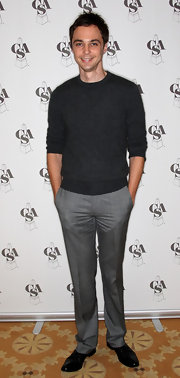 Jim looks very dapper at the Casting Society's Artios Awards with his casual charcoal gray crewneck sweater and light gray slim fit dress pants.