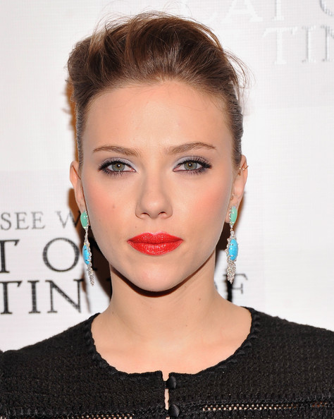 More Pics of Scarlett Johansson Red Lipstick (3 of 18) - Scarlett Johansson Lookbook - StyleBistro