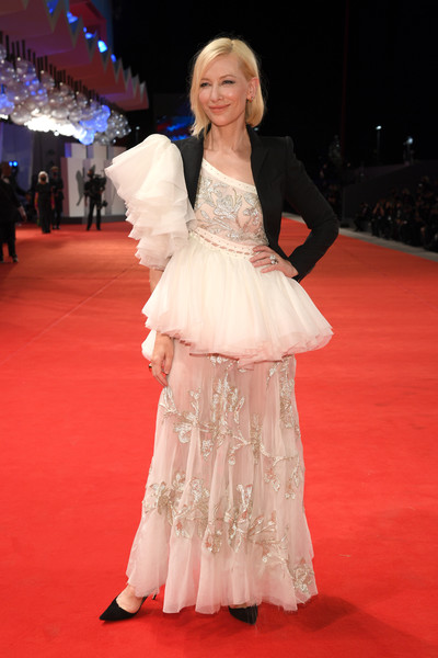 Cate Blanchett Embroidered Dress [movie,red carpet,carpet,flooring,clothing,gown,dress,fashion,premiere,fashion model,haute couture,carpet,gown,di yi lu xiang,red carpet,love after love,fashion,red carpet,haute couture,77th venice film festival,red carpet,haute couture,gown,carpet,costume,model,fashion,red,two pence]