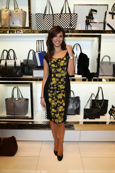 Caterina Balivo Print Dress [michael kors to celebrate milano - opening,michael kors,caterina balivo,clothing,dress,fashion,yellow,shoulder,little black dress,fashion design,room,footwear,boutique,milano,italy]