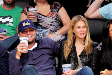 Leonardo DiCaprio Bar Refaeli Celebrities At The Lakers Game