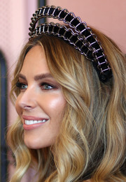 Jennifer Hawkins channeled her inner rocker princess with this chain-embellished crown by Viktoria Novak for Derby Day.