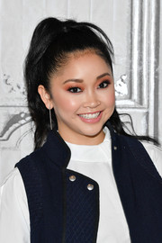 Lana Condor finished off her look with a pair of sterling dangle earrings.