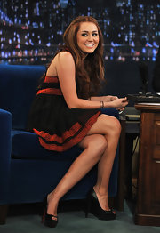 Miley Cyrus made an appearance on the 'Jimmy Kimmel Live!' show wearing peep toe pumps.