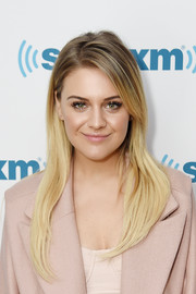Kelsea Ballerini looked modern and stylish with her ombre hair while visiting SiriusXM.