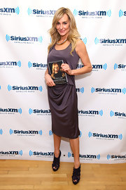 Taylor Armstrong looked lovely at Sirius Radio in a muted eggplant dress.