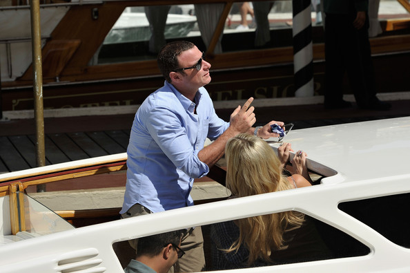 More Pics of Kate Hudson Aviator Sunglasses (4 of 28) - Classic Sunglasses Lookbook - StyleBistro [celebrity sightings,fun,vehicle,luxury vehicle,luxury yacht,vacation,event,leisure,boat,tourism,car,actors,liev schreiber,kate hudson,venice,italy,69th venice film festival]