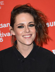 Kristen Stewart topped off her look with her her signature smoky eyes.