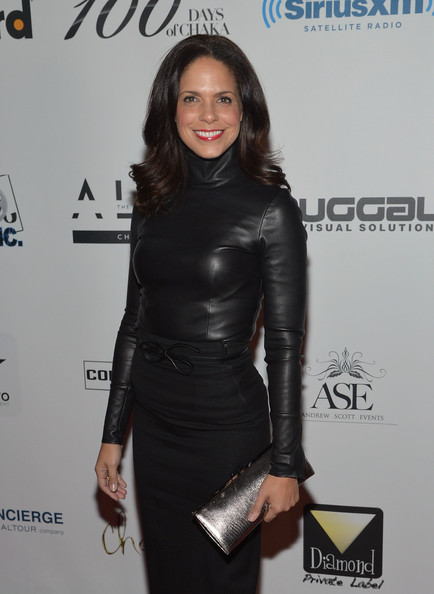 More Pics of Soledad O'Brien Medium Layered Cut (5 of 5) - Shoulder Length Hairstyles Lookbook - StyleBistro