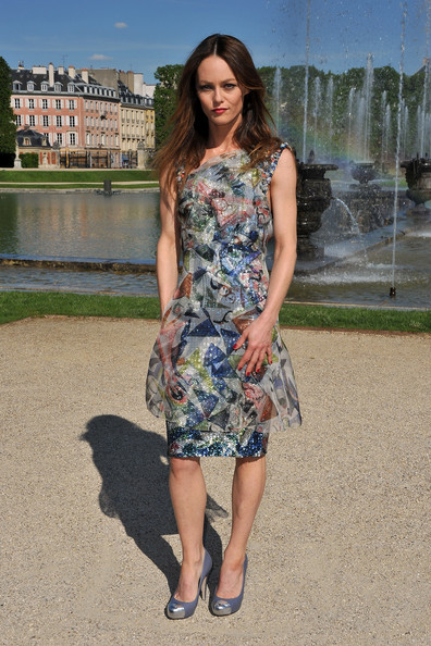 Vanessa Paradis arrived for a photocall at Versailles wearing lilac and metallic silver pumps.