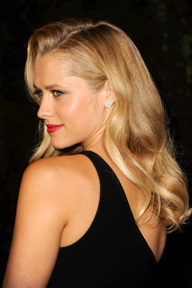 More Pics of Teresa Palmer Long Wavy Cut (1 of 5) - Teresa Palmer Lookbook - StyleBistro