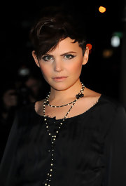 Ginnifer Goodwin wore a long beaded necklace at the Chanel and Charles Finch pre-Oscar Dinner.