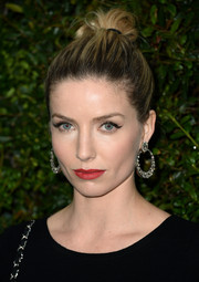 Annabelle Wallis pulled her locks back into an edgy-chic knot for the Chanel and Charles Finch pre-Oscar dinner.