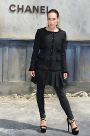 Tallulah added some contemporary edge to her look by opting for a pair of black skinny jeans.
