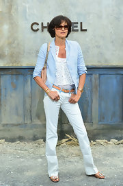 Ines showed off her long legs with this pair of white jeans.