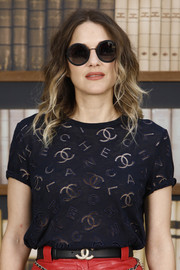 Marion Cotillard arrived for the Chanel Couture Fall 2019 show wearing a pair of round shades from the brand.