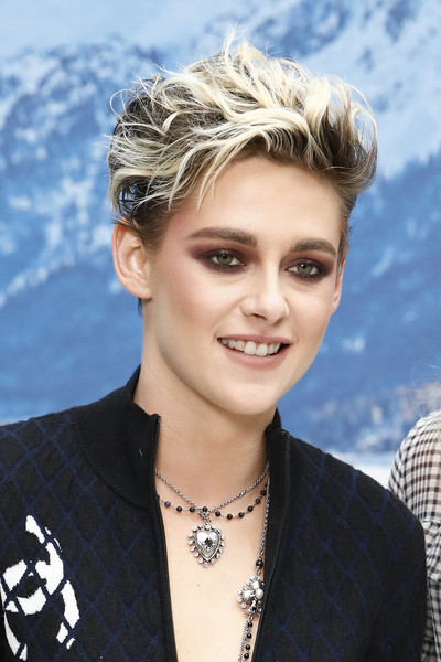 More Pics of Kristen Stewart Heart Pendant (1 of 8) - Heart Pendant Lookbook - StyleBistro [show,hair,face,hairstyle,eyebrow,blond,chin,beauty,forehead,fashion accessory,smile,kristen stewart,part,paris,france,chanel,photocall- paris fashion week womenswear fall]