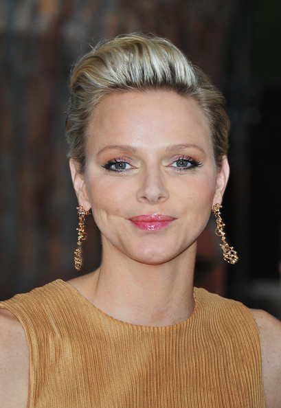 Charlene Wittstock Fauxhawk [hair,face,hairstyle,eyebrow,blond,lip,beauty,chin,skin,forehead,red carpet arrivals,charlene of monaco,monaco,amber lounge fashion,le meridien beach plaza hotel,amber fashion show,charity auction]