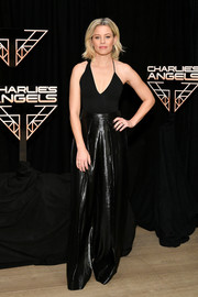 Elizabeth Banks bared some skin in an asymmetrical black bodysuit at the 'Charlie's Angels' photocall.