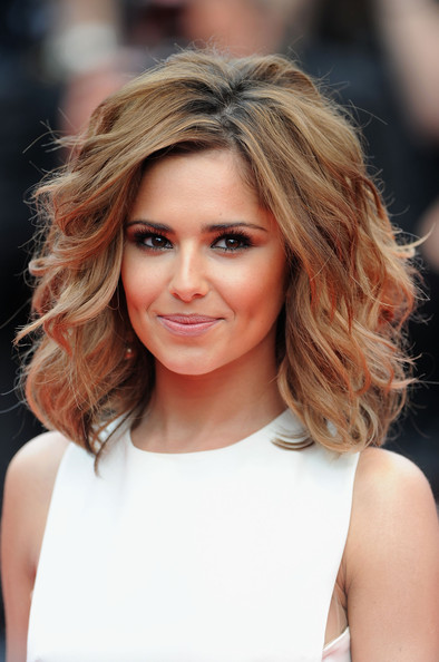 how to style hair like cheryl cole more pics of cheryl cole wavy cut 26 of 125 6007