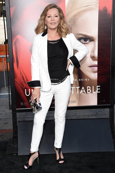 Cheryl Ladd Pantsuit [thriller,unforgettable,photo,clothing,fashion,blazer,suit,outerwear,shoulder,pantsuit,jeans,footwear,formal wear,arrivals,cheryl ladd,richard shotwell,tcl chinese theater,warner bros. pictures,premiere,premiere]