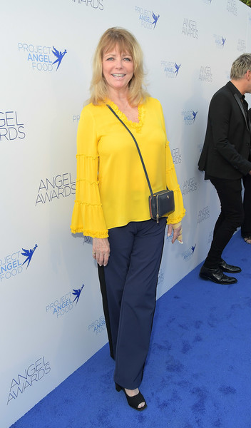 Cheryl Tiegs Leather Shoulder Bag [clothing,yellow,blue,cobalt blue,electric blue,outerwear,pantsuit,premiere,event,suit,cheryl tiegs,angel awards,hollywood,california,project angel food,2018 angel awards]