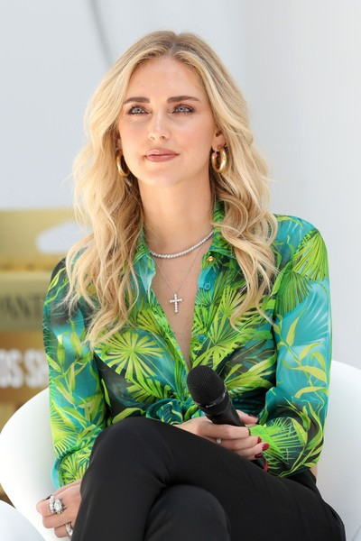 Chiara Ferragni Diamond Ring [hair,clothing,green,blond,yellow,hairstyle,outerwear,sitting,long hair,fashion,blond,chiara ferragni,hair,brown hair,hair,hairstyle,photo shoot,model,estatepantene,event,blond,photo shoot,model,brown hair,02pd,long hair,fashion,socialite,outerwear,hair]